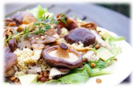 Quinoa salade makreel paddo avocado